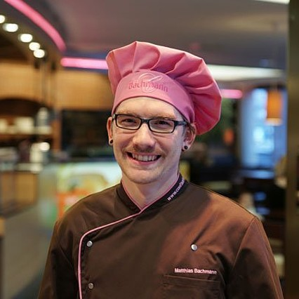 Jan-Philipp SchwarzDeputy production manager, master baker and patissier, with the company since September 2016