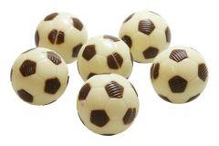 Fussball aus Milchschokolade