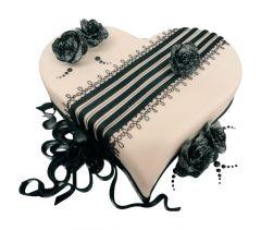 Heart Cake Noir